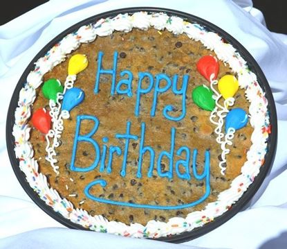 AU's Giant Choc. Chip Cookie Cake